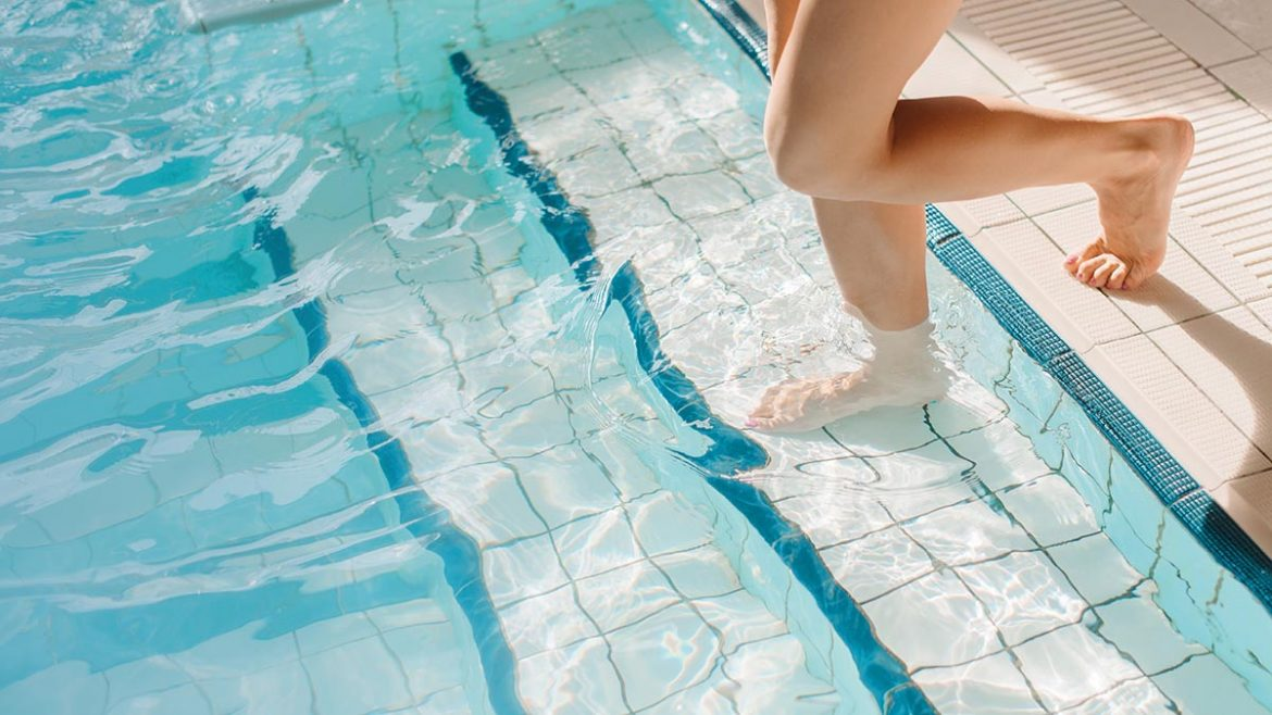 Clean your Green Swimming Pool to Make It More Efficient